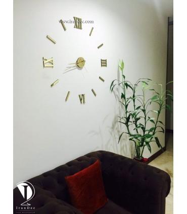 نمونه نصب شده ساعت دیواری عدد رومی رنگ طلایی با عقربه معمولی بلند