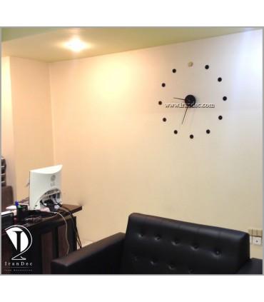 نمونه نصب شده ساعت دیواری مدرن رنگ مشکی با عقربه معمولی